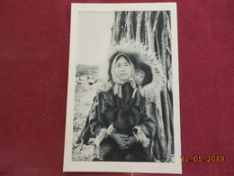 """CPSM - Alaska - Esquimaux De L'Océan Arctique - """"Vieillesse Et Sourire"""" - Postcards"""