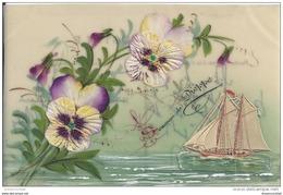 WW 76 DIEPPE. Superbe Et Rare Carte Postale En Celluloïd Avec Ajout D'un Voilier En Carton Et De Fleurs En Soie - Dieppe