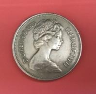 INGHILTERRA - ENGLAND - 1979 - Moneta   5 NEW PENCE - 1971-… : Monete Decimali