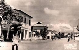 CPA - DAHOMEY - COTONOU - Une Rue - Dahomey