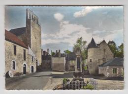 AA136 - CONDAT - Eglise Et Le Monument Aux Morts - Francia