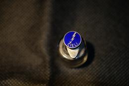 """Pin's-""""Cieli""""la Foto Non Rende La Vera Bellezza Dello Stemma Distintivo-Integro E Completo- - Badges"""