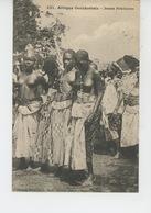 ETHNIQUES ET CULTURES - AFRIQUE OCCIDENTALE - SENEGAL - Jeunes Féticheuses (femmes Aux Seins Nus - Naked Women ) - Afrique