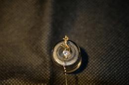 """Pin's-Eyepins""""Ancora Su Cuore Di Brillante""""la Foto Non Rende La Vera Bellezza Dell'oggetto-Integro E Completo- - Badges"""