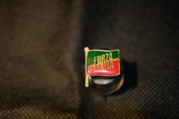 """Pin's-""""Forza Italia""""la Foto Non Rende La Vera Bellezza Dell'oggetto-Integro E Completo- - Badges"""