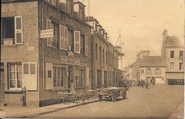 St Vaast La Hougue  - Maison Luce - Place De La Republique - Voiture    - Non  Circulé - Saint Vaast La Hougue