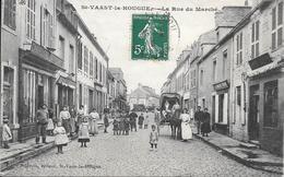 St Vaast La Hougue  - Rue Du Marché   - Tres Belle Carte    -  Circulé - Saint Vaast La Hougue