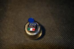 """Pin's--""""Federazione Italiana Giuoco Calcio"""" Le Immagini Non Rendono La Vera Bellezza Dell'oggetto- -Integro E Completo- - Pin's"""