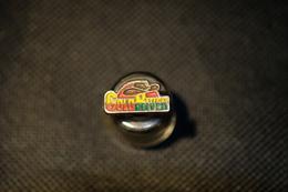 """Pin's--""""Gold River"""" Le Immagini Non Rendono La Vera Bellezza Dell'oggetto- -Integro E Completo- - Badges"""