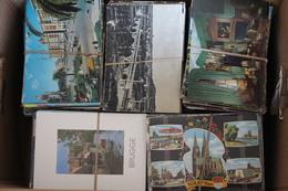 Lot De 8000 Cartes Postales Toutes Empaquetées, Non Triées. Voir Scaner - Postcards