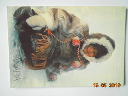 Canada. Fille Inuit Dans Un Parka Caribou. Postcard Factory C44V Postmarked 1992. 17 X 12 Cm. - Native Americans