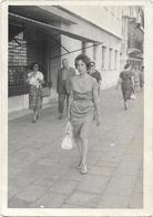 PHOTO  - Jeune Femme à VENISE  - Ft 15 X 10 Cm - Lieux