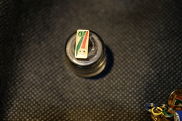 """Pin's-Spilla-""""A7 Biancorossoverde Pallone"""" Le Immagini Non Rendono La Vera Bellezza Dell'oggetto-Integro E Completo- - Pin's"""