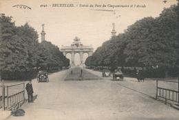 CPA - Belgique - Brussels - Bruxelles - Etterbeek - Entrée Du Parc Du Cinquantenaire Et L'Arcade - Etterbeek