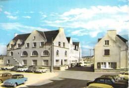 29 - DOSSEN Maison Familiale De Vacances ( Café - Automobiles Dont 2 CV CITROEN ) Jolie CPSM Dentelée GF Finistère - France