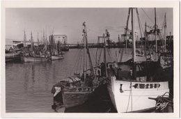 56. Pf. LORIENT. Vue Du Port De Pêche Prise De La Base Sous-marine. 14 - Lorient
