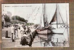X17036 ROYAN Charente-Maritime Les Pêcheurs à La Ligne Le Long Du Port 1903 Ou 09 -TONGIMED 216 - Royan