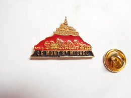 Beau Pin's En Relief , Le Mont Saint Michel , Signé YL - Villes