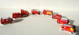 Fèves Brillantes X 8 - Véhicules De Pompiers (tous Différents) - Fèves