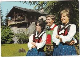 Ultener Trachten Mit 'Häuserl Am Stein' - Costumi Della Val D'Ultimo Con Il 'Häuserl Am Stein' - Bolzen/Bolzano - Bolzano (Bozen)