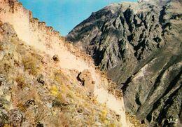 1 AK Peru * Die Inka - Treppen (Ramparts Incas) Bei Der Stadt Ollantaytambo - IRIS Karte * - Peru