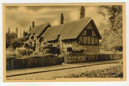 Warwickshire - Stratford-Upon-Avon   -   Anne Hathaway's Cottage - Stratford Upon Avon