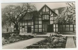 Warwickshire - Stratford-Upon-Avon   -   Shakespeare's Birthplace From The Garden - Stratford Upon Avon
