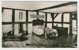 Warwickshire - Stratford-Upon-Avon   -   Shakespeare's Birthplace  -  The Birthroom - Stratford Upon Avon