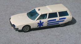 Solido Ambulance CITROËN CX Break 2400. - Jouets Anciens