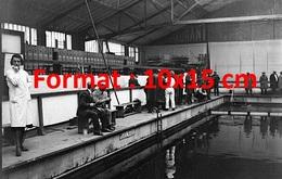 Reproduction D'une Photographie Ancienne D'une Vue Du Concours De Pêche à La Piscine De Levallois-Perret En 1931 - Reproductions