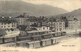 Pays Div -ref T605-suisse - Fleurier - La Gare Ligne De Chemin De Fer - Trains- /etat :pli Bas Gauche Et Haut Gauche - Non Classificati