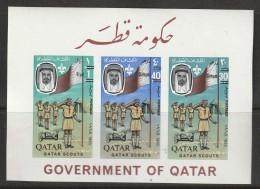 QATAR - BLOC N° 9 B  ** (1966)  SCOUTISME - Qatar