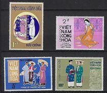 "Viet-Sud YT 377 à 380 "" Costumes Traditionnels "" 1970 Neuf** MNH - Viêt-Nam"
