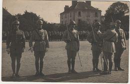Remise De Décorations   Probablement Cavalerie Casque Adrian - 1914-18