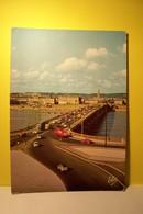 BORDEAUX  - Le Pont De Pierre , La Nouvelle Entrée  - AUTOMOBILES - CAMION CITERNE    - ( Pas De Reflet Sur L'original ) - Bordeaux