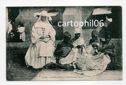 - CPA AFRIQUE - TOMA - Les Dentellières à L'Ouvroir Des Soeurs - - Cartes Postales