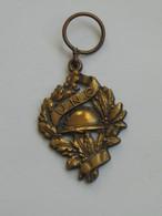 Décoration / Médaille U.N.C UNION NATIONALE DES COMBATTANTS   ***** EN ACHAT IMMEDIAT **** - France