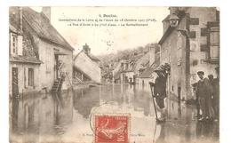 CPA Décize (58) Inondations De La Loire Et De L'Aron Du 18 Octobre 1907 (6,28m) La Rue D'Aron Et Le Ravitaillement - Decize