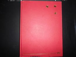 Album, Petit Classeur D Occasion  Fond Blanc 8 Pages Environ 500 Grammes - Classificatori