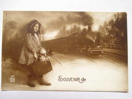 TRAIN   ET FILLETTE  .....SOUVENIR DE ......       TTB - Chemins De Fer