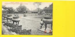 ANNAM Hué Cour Devant La Pagode De Gia-Long (Dieulefils) Viet-Nam - Viêt-Nam