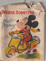Pochette + 6 Chromotransfert Walt Disney Decalcomanies Decor Scooter 1955 -RARE Chromo Bords Recourbés Mais Utilisablesb - Trade Cards