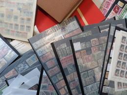 Sensationnel Vrac De Milliers De Timbres Tous Pays. Anciens, Nombreux Pays + Bonnes Valeurs ! . Cote énorme!!! A Saisir! - Lots & Kiloware (mixtures) - Min. 1000 Stamps