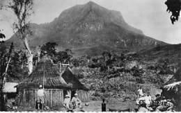 AFRIQUE NOIRE - CAMEROUN - Circonscription De N'KONGSAMBA Montagne De NENOU - CPSM Dentelée Format CPA -Africa  Cameroon - Cameroon