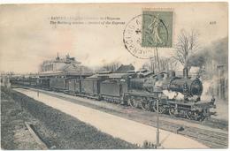 BAYEUX - La Gare, Arrivée De L'Express - Bayeux