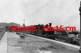 Reproduction D'une Photographie Ancienne D'un Train à Vapeur Gare D'Exmouth Dans Le Devon En 1925 - Reproductions