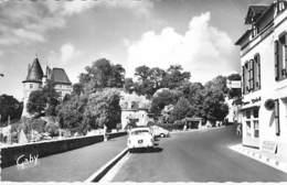 44 - PORNIC  : Le Chateau ( Hotel BEAU SOLEIL En 1er Plan ) CPSM Dentelée Noir Blanc Grand Format CPA - Loire Atlantique - Pornic