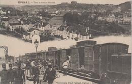 """CPA Epinal - """"Tout Le Monde Descend"""" - Avec 2 Vues : Vue Générale / Train En Gare - Epinal"""