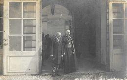 Carte-photo à Identifier - Papeterie Métropole, Bruxelles - Monseigneur, Evêque? Avec Autre Personne - A Identifier