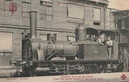 LOCOMOTIVE  Machine De La Cie De L'Ouest - Type Très Ancien Faisant Le Service De Gare - Trains